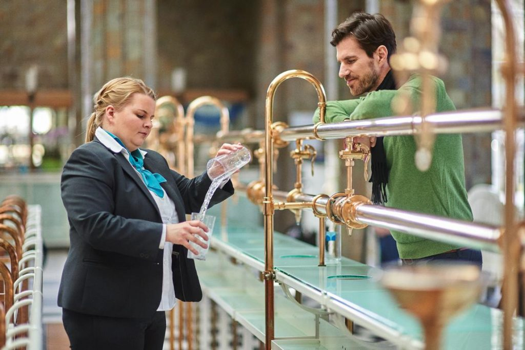 Advice Healing Water (c) Bayer. Bad Kissingen State Bath GmbH_Foto Heji Shin